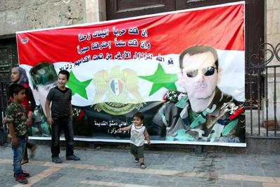 Westen meet bij syrische en oekra ense verkiezingen met for Farcical vertaling